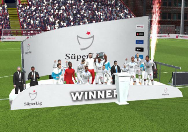 Super Lig Trophy Podium